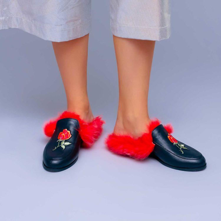 Saboți de damă Mineli Red Fur Slippers