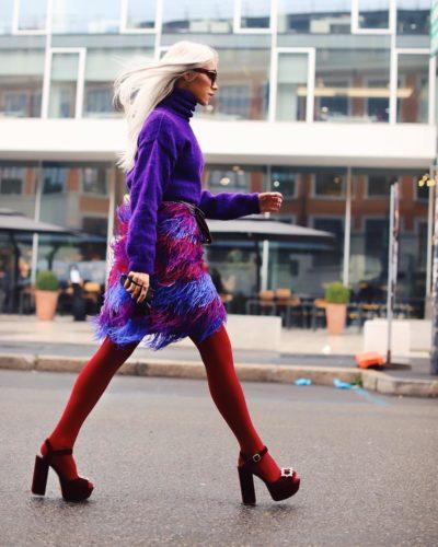 Ținutele power-red, un trend masiv la Milano Fashion Week