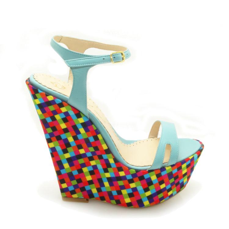 Sandale de dama Mody Cubic Blue realizate din piele naturala nude si material textil imprimat. Sandale de dama Mody Cubic Blue ideali in completarea tinutelor lejere de vara